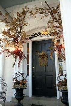 Decorating Front Yard Plans Fall Front Door Decorations How To Decorate Grapevine Wreaths Ideas Fall Front Door Decor Of Home Interior Design Autumn Decorating, Porch Decorating, Decorating Ideas, Decor Ideas, Fall Outdoor Decorating, Fall Home Decor, Autumn Home, Thanksgiving Decorations, Seasonal Decor