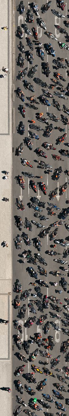 """If you didn't see it yesterday, this is the third """"strip"""" of our 3 meter wide aerial photography with 400 Harley-Davidson bikes on Rio Harley Days."""