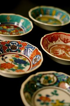 Kutani style porcelain - 九谷焼。柄がいろいろで楽しい。
