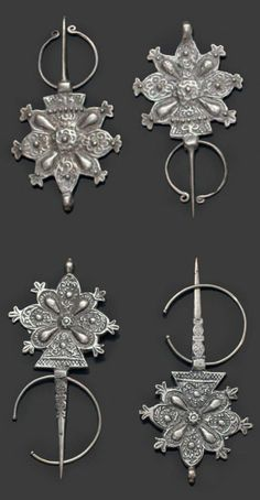 Morocco   2 pairs of fibula; High Atlas or Dades   Silver   Est. 400-600€ (Feb '14) Tribal Jewelry, Bohemian Jewelry, Beaded Jewelry, Handmade Jewelry, Moroccan Jewelry, Dangle Belly Rings, Feb 13, Fab Shoes, Cowgirl Style