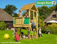Klettergerüst Jungle Gym : Kinderhaus lars von jungle gym mit fenster und geteilter tür bei