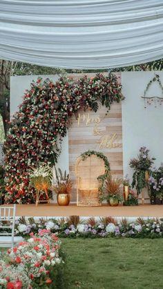 Tulle Wedding Decorations, Desi Wedding Decor, Wedding Reception Backdrop, Backdrop Decorations, Ceremony Decorations, Backdrops, Wedding Stage Design, Traditional Wedding Decor, Balloon Wreath