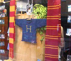 Weasley sweater...free pattern for Mrs. Weasley's famous sweater