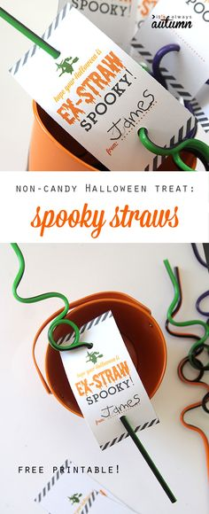 Great idea for a non-candy Halloween treat or party favor: spooky straws with free printable tag Looking for a non-candy Halloween treat or party favor? These spooky straws are perfect. Use the free printable for an easy, inexpensive gift for kids. Halloween Mono, Halloween Class Party, Halloween Treats For Kids, Fete Halloween, Halloween Goodies, Cute Halloween Costumes, Halloween Birthday, Halloween Gifts, Holidays Halloween