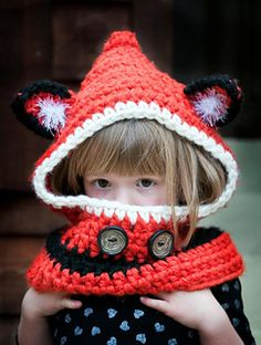 crocheted version of the wildly popular fox/wolf hooded cowl is currently sweeping the internet - and it's free! Easy to modify for size changes, you can make this for everyone in your family, from infant to grandpa.
