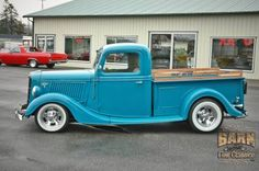 Hot Rod Trucks, Cool Trucks, Ford Pickup Trucks, Hot Rods, Old School, Antique Cars, Classic Cars, Motorcycles, Wheels