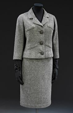 Jacket and skirt suit V&A Museum  Cristóbal Balenciaga 1954 Woollen tweed lined with silk Museum no. T.7&A-1977