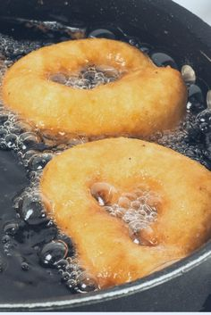 Beignets aux pommes express : recette rapide de beignetsde fruits For a very crisp frying, what temperature for your oil? Easy Smoothie Recipes, Easy Smoothies, Good Healthy Recipes, Quick Recipes, Healthy Snacks, Dessert Recipes, Apple Fritters, Donuts, Coconut Recipes