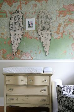 http://kellyraeroberts.blogspot.com/  I love Kelly Rae Roberts Art and Style.  These walls are my dream!  The angel wings and pic are sweet too.