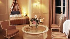 It's the classic and elegant aesthetic that makes Kefalari Suites your home away from home! Found on reveal-greece.com