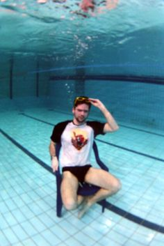 Another fan sends over his Samurai pics... This time underwater :)