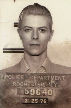 David Bowie/David Robert Jones arrested in upstate New York in March 1976 on a felony pot possession charge [ great mug shot] Angela Bowie, Sophia Loren, Pop Rock, Rock N Roll, Duncan Jones, Celebrity Mugshots, Celebrity Headshots, Mundo Musical, Photos Rares