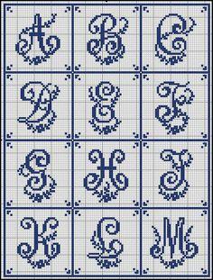 Floral Swoop Font  [Sajou+203-1.jpg]