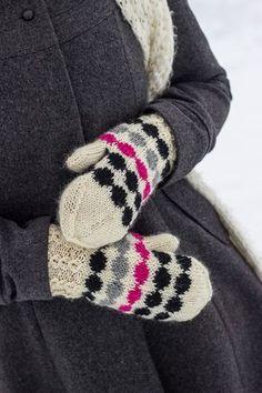 neulotut marilapaset marimekko kirjoneule marisukat khadin lankalabyrintti Wool Socks, Knitting Socks, Warm Outfits, Marimekko, Baby Knitting Patterns, Mitten Gloves, Knitting Projects, Fingerless Gloves, Arm Warmers