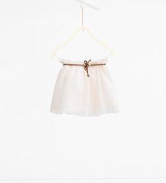 Imagen 1 de Falda tul con cinturón de Zara