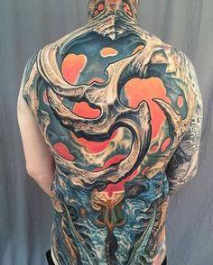 Biomechanical Artista Tatuador: Guy Aitchison