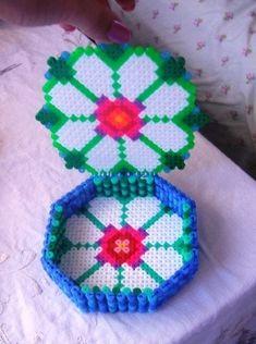 sandylandya@outlook.es  Box perler beads