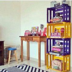 Caixotes! ❤️😍 Foro via: Pinterest  #decor #decoro #decora #decoracao #reaproveitar #reutilizar #caixotes #caixotesdefeira #cantinho #designdeinteriores #design #inspiration #inspiração #boatarde