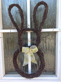 Sirpan maailma Willow Weaving, Weeping Willow, Garden Gates, Ikebana, Natural Materials, Grapevine Wreath, Grape Vines, Diy And Crafts, Creations