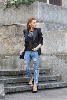 f273feacaff95 Distressed Jeans with a hint of street flair Outfit Combinations