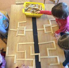 Practicing symmetry and imitation skills Preschool Math, Kindergarten Math, Math Games, Activities For Kids, Symmetry Activities, Busy Boxes, Right Brain, Math For Kids, Reggio Emilia