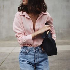 Blouse and mom jeans #style