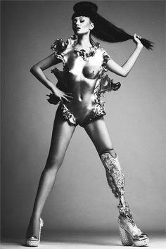 Meet the World's First Bionic Pop Star, Viktoria Modesta