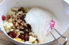 Krema fruktsalat - LINDASTUHAUG Crunches, Oatmeal, Dairy, Low Carb, Cheese, Baking, Breakfast, Cake, Recipes