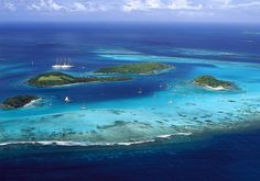 Iles Grenadines : les plus beaux endroits des Iles Grenadines - Elle Iles Grenadines, Bangladesh Travel, Destinations, Travel Set, Travel Memories, Environmental Art, West Indies, Island Life, Beautiful Islands