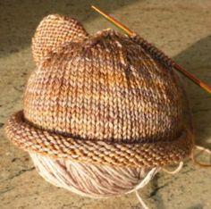 Um blog sobre tricô e crochê ensinando e compartilhando passo-a-passo, interação, atualidade e beleza desta arte! Tricot Baby, Simply Knitting, Baby Cardigan, Lace Knitting, Knitted Hats, Blog, Crafts, Knitting Bear, Fleece Hats