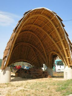 Cob Building, Bamboo Building, Building Design, Bamboo Art, Bamboo Garden, Bamboo Architecture, Art And Architecture, Bamboo House Design, Bamboo Structure
