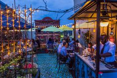 What's better than enjoying the warm weather? Doing it while dining on a delicious meal! These restaurants are all incredible places to get your food fix with fantastic views.