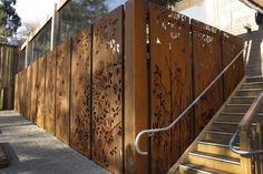 clôture-brise-vue-panneaux-occultants-acier-corten-auto-patiné