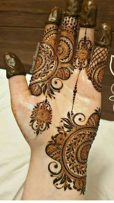 Short Mehndi Design, Mehndi Designs Feet, Henna Art Designs, Mehndi Designs For Girls, Stylish Mehndi Designs, Dulhan Mehndi Designs, Mehndi Design Pictures, Wedding Mehndi Designs, Mehndi Designs For Fingers