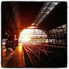 Station Amsterdam Centraal in Amsterdam, Noord-Holland Great Places, Places Ive Been, Train Stations, Train Rides, Netherlands, Venice, Holland, Amsterdam, Rome