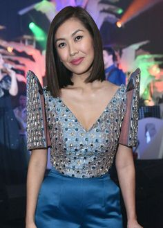 Liz Uy's custom fully beaded Terno top and pants by Hannah Adrias, worn at the Bench Terno Ball/ Launch of Fashionable Filipinas book. Philippines Outfit, Modern Filipiniana Gown, Liz Uy, Filipino Fashion, Fashion Themes, Batik Dress, Couture Dresses, Traditional Dresses, Special Occasion Dresses