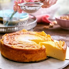 Jeśli sernik, to z sera, rzecz jasna. A tutaj się okazuje, że niekoniecznie ;) Proponujemy pyszny, puszysty i pachnący wanilią sernik, bez sera! Do jego przygotowania wykorzystaj Budyń o smaku…
