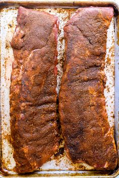 The best seasoning to put on ribs for fall-off-the-bone bites is a homemade dry rub made from spices and herbs you probably have sitting in your pantry right now. Pork Rib Dry Rub, Pork Rib Marinade, Rub For Pork Ribs, Oven Pork Ribs, Oven Baked Ribs, Baby Back Pork Ribs, Smoked Pork Ribs, Ribs On Grill, Bbq Pork