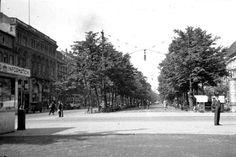 Unter den Linden. 1932