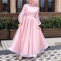 ملابس Drip drip drip…that darn leaky faucet! Modest Fashion Hijab, Modern Hijab Fashion, Muslim Fashion, Fashion Dresses, Hijab Prom Dress, Hijab Evening Dress, Dress Outfits, Dress Shoes, Shoes Heels