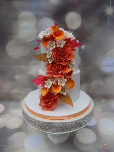 Fall Wedding Cake by Wilma's Droomtaarten - http://cakesdecor.com/cakes/294326-fall-wedding-cake