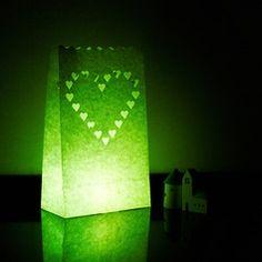 paperipussiin ledikynttilä Wedding Party Dresses, Lava Lamp, Wedding Decorations, Wedding Ideas, Table Lamp, Paper, Design, Home Decor, Heart