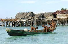 Sea Gypsies of Borneo  Photo: cedeprudente.com