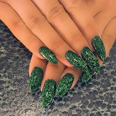 @amberrose -  Thank u @nailgarden  #fashionable #style #styleinspo #ameriesblog #kul_kid22