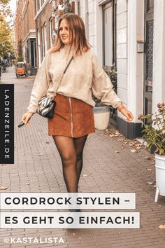 How you can easily combine a casual outfit with cordrock we show you in the fashion world. Our influencer Karo aka Kastalista reveals her styling tips for a casual look in autumn. With brown corduroy Rock Outfits, New Outfits, Stylish Outfits, Skirt Outfits, Fall Outfits, Fashion Outfits, Rock Style, America Outfit, Black Pencil Dress