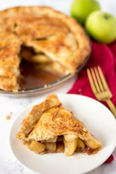 homemade apple pie, easy homemade apple pie recipe that is the perfect apple pie dessert. Easy Apple pie, homemade pie, apple pie made with fresh apples and the best apple pie filling Quick Apple Pie Recipe, Homemade Apple Pies, Apple Pie Recipes, Sweet Recipes, Perfect Apple Pie, Best Apple Pie, Perfect Pie Crust, Pie Dessert, Dessert Recipes