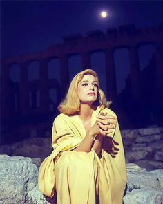 Melina Mercouri under the Acropolis illuminated by the moonlight Die A, Actor Studio, Good Night Moon, Old Hollywood Glamour, Beautiful World, Movie Stars, Actors & Actresses, Celebrities, Celebs