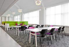 Decorar oficinas con colores vivos y alegres