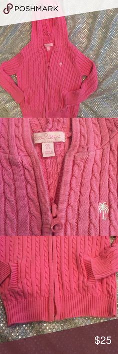 ToddlerXS Lilly Pulitzer Cable Knit Sweater Hoodie This is an adorable cable knit that your toddler would be so cute in. It is XS Lilly Pulitzer cable knit hoodie sweater. Lilly Pulitzer Sweaters Cardigans