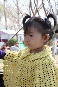 Materiales gráficos Gaby: Ponchos para niñas con patrones y paso a paso